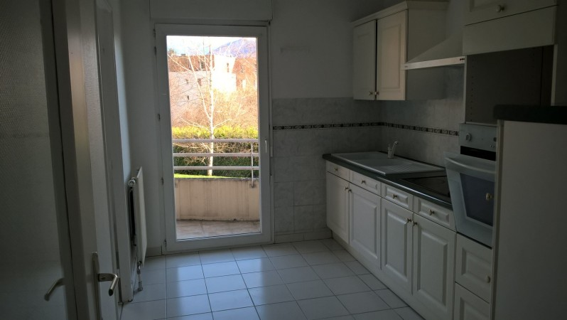 Location appartement saint martin d 39 heres 2 pi ces 50 m2 for Location appartement par agence